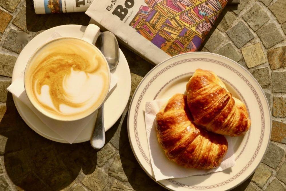 OPTION 1: CAFE CON LECHE AND 2 MEDIALUNAS