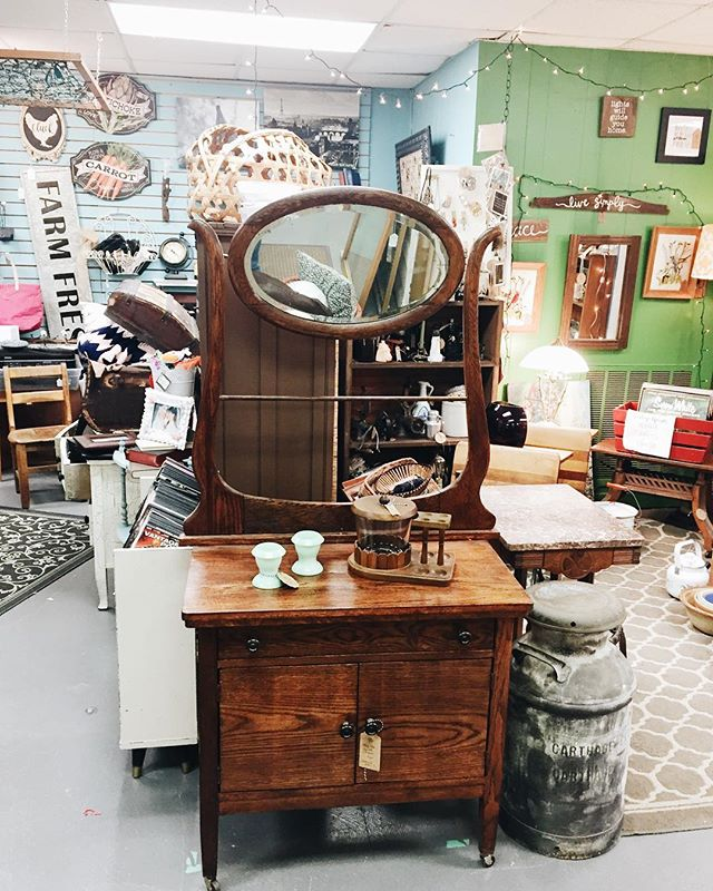😍😍😍 New pieces in the booth this week! #handdcreative #shoplocal #thesaturdaymarketthomson #thomsonga #antiquesforsale
