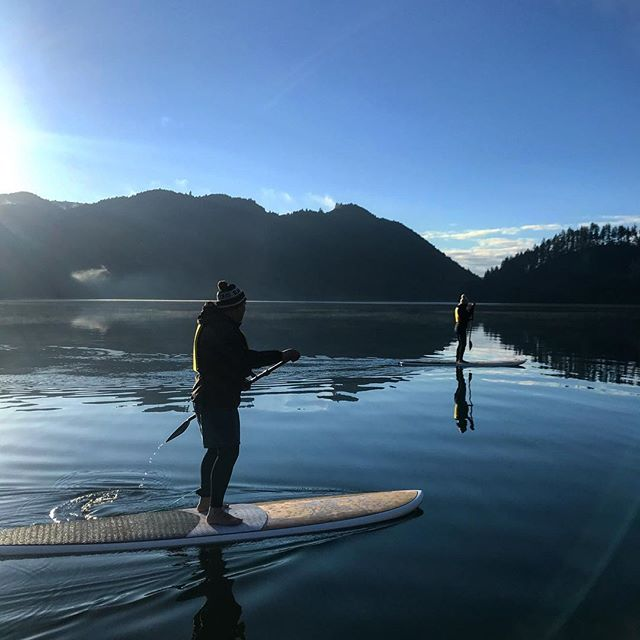 Locals Friday morning paddle sessions cost $20!! We head out bright and early at 6:30 so you can get back for work. We love to get our Rotorua locals out on our boards, If you have your own SUP you are also welcome to bring it along! Contact us for more info 👌🏽 . . . #paddleboardrotorua #rotoruanz #rotorua #goodtimes #nz #rotorua #locals #summerscoming #sup #paddleboarding