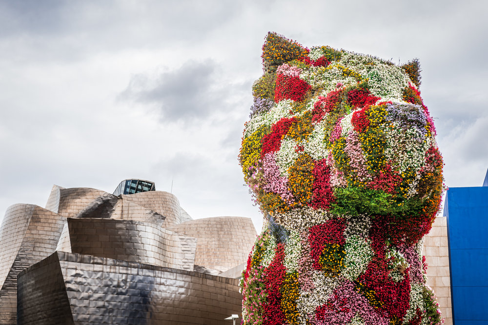 Dog lovers and cuteness lovers may think Puppy is THE reason to visit Bilbao.
