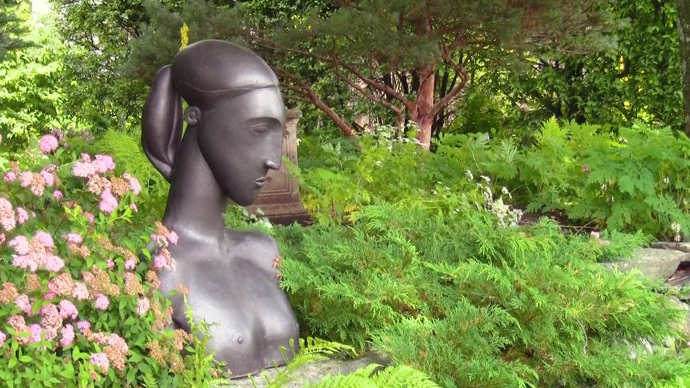 negotiating-with-nature-bronze-garden-sculpture.png
