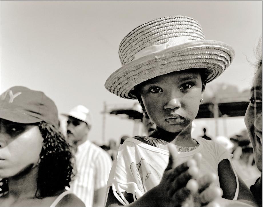 joe-wuerfel-little-girl-with-hat-sao-vicente-island.jpg