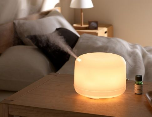 - Unlike candles or air fresheners, oil diffusers release cleansing molecules into your air that work to purify it, not overload it with unhealthy chemicals.