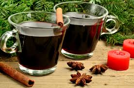Yogi Tea, Christmas Tea - Here is an original recipe for a non-alcohol spicy punch with YOGI TEA® – the ideal beverage for the cold days that will sweeten your holidays. 200 ml Christmas Tea, 100 ml grape juice, Christmas lighting, Your favourite music, Optional: Your loved ones