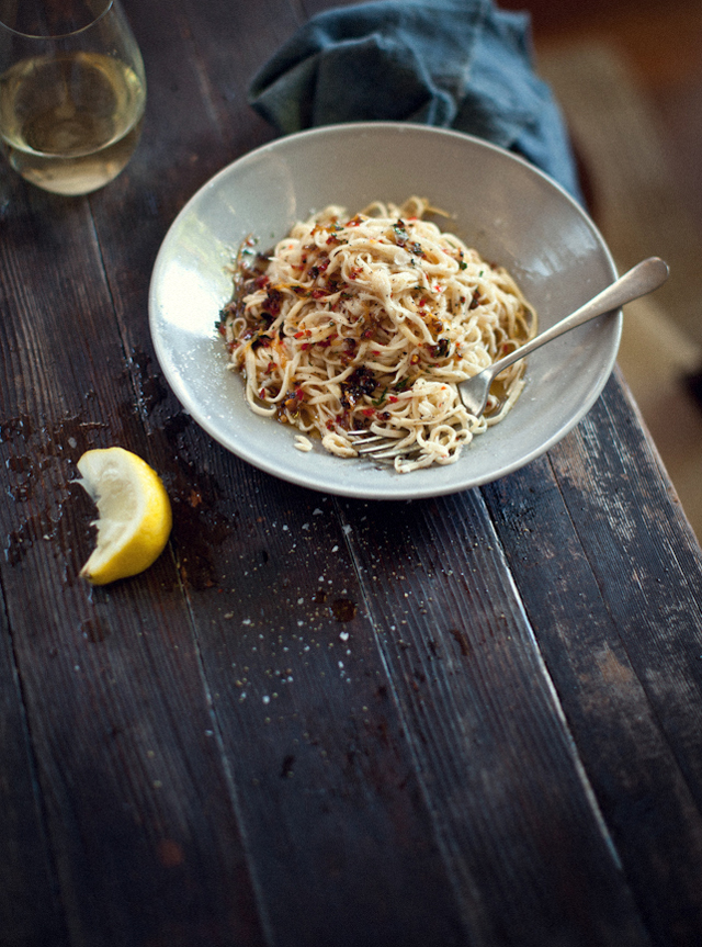 WKA_-HOMEMADE-SPAGHETTI-WITH-LEMON-GARLIC-CHILLI-AND-MINT_P.jpg