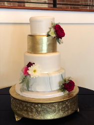 This amazing cake was made by  Sabrina Leis at Simply Cakes  .