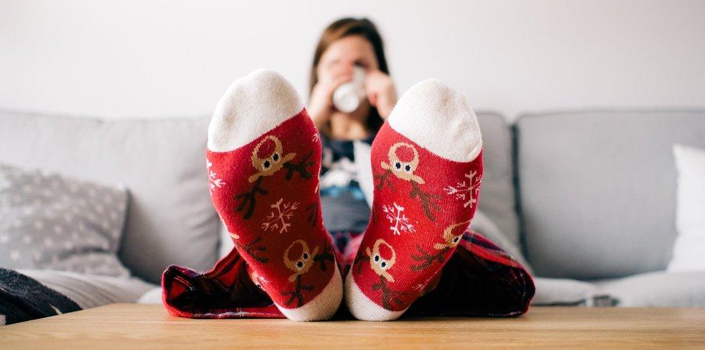 christmas-couch-feet-85842.jpg
