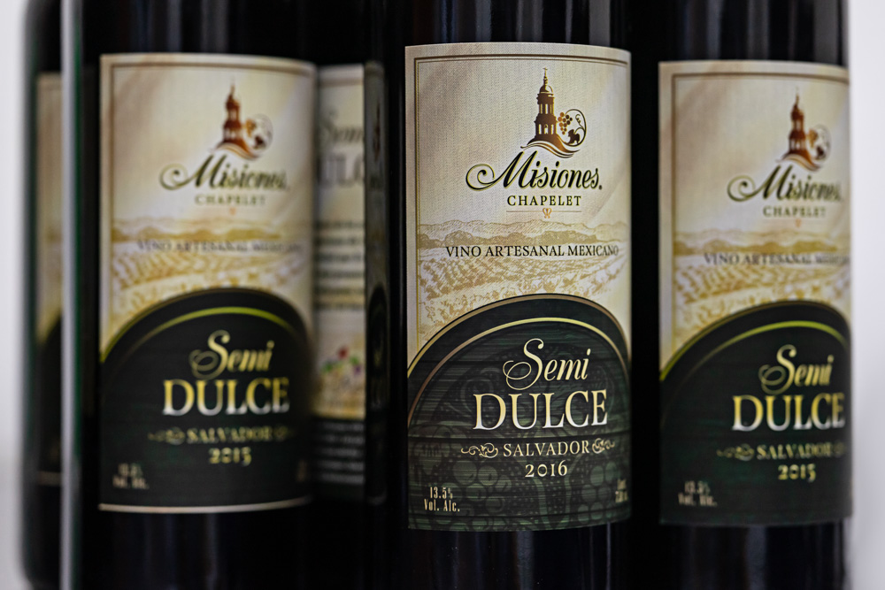 Misiones Chapelet Semi Dulce wine made with Salvador grapes, Viñedos Los Rosales, Queretaro, Mexico
