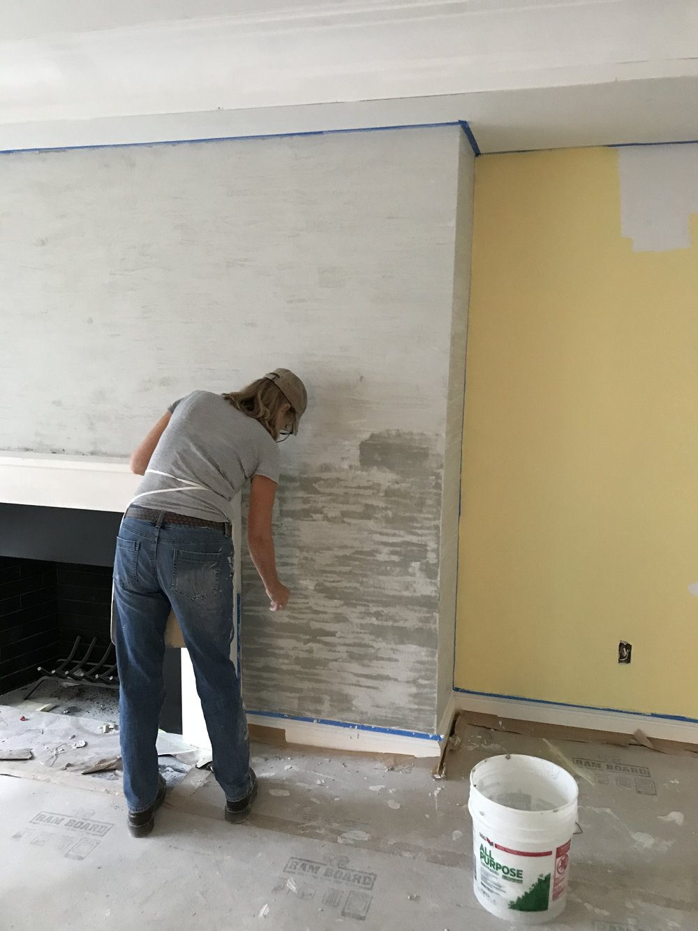 Striated limestone plaster