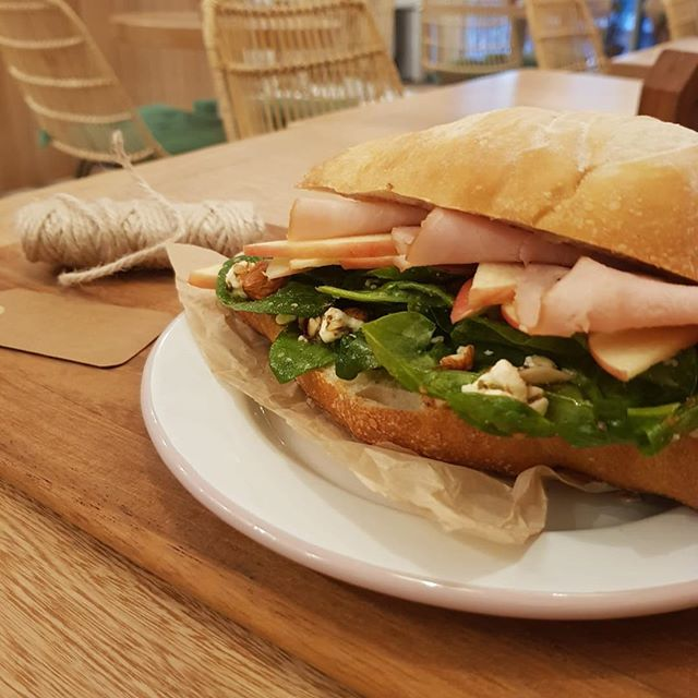 Lunch is served! 🤗 Come enjoy a sandwich on our fresh baked bread. #presentbakery #presentculture
