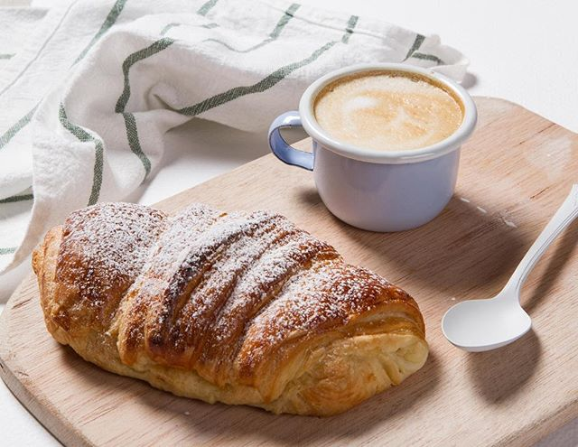Good morning!  Today is a perfect day to enjoy a Colombian coffee and a freshly baked croissant.#presentbakery #livinginthepresentmoment ☕️