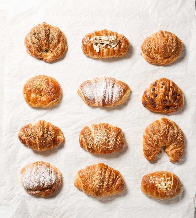 Hello Monday☕️.Which croissant will you choose today? -in present bakery we have so many croissants, that you can eat a different one every day, and #livinginthepresentmoment #happycroissants #presentbakery ✌🏽️