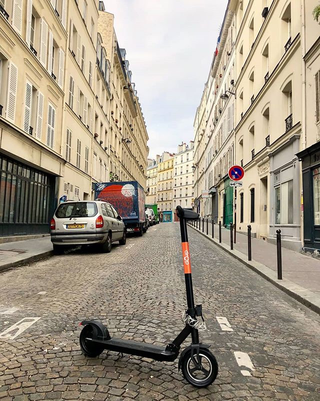 Going on a baguette run. ✌️ . . . . #innovation #micromobility #mobility #cycling #scooter #biking #bikes #photooftheday #transportation #technology #tech #dropmobility #ebike #rider #city #power #electric #boost #cityscape #baguette