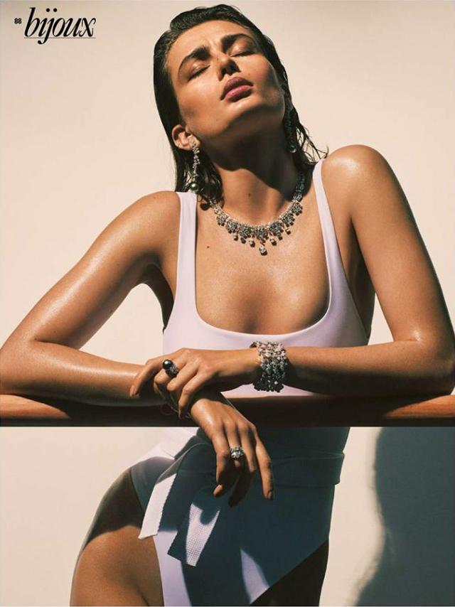 7.17 Vogue Paris, ANAIS.png
