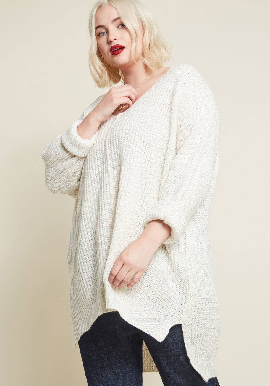 10105512_quietude_is_everything_v-neck_sweater_ivory_PLUS-SIZE01.jpg