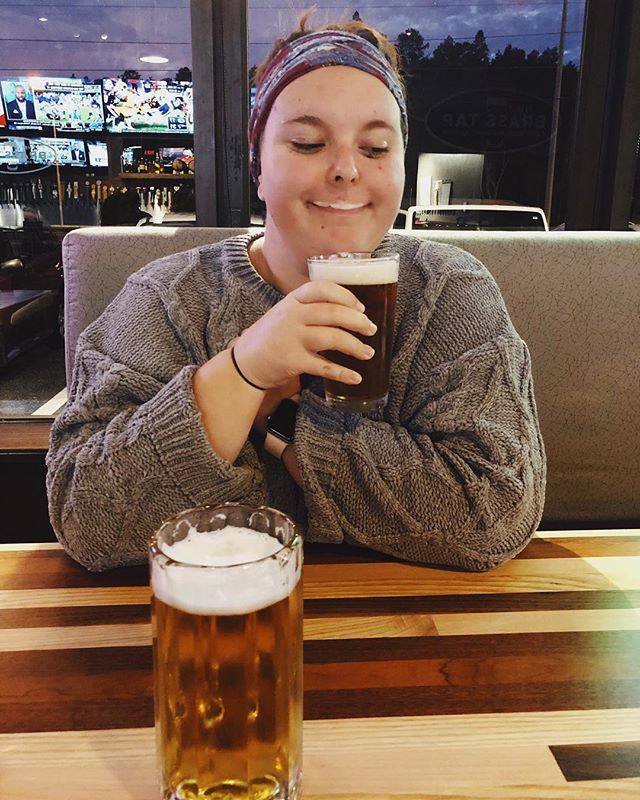 Mondays, amirite? 🍺 Key West Sunset Ale, bless you dearie. ••• #tampablogger #tampa #tampabrews #bloggerlife #teacherlife #plussizeblogger #carrollwood