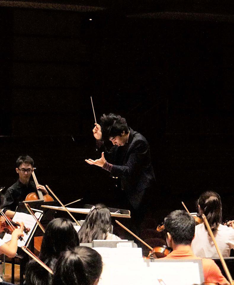 Tengku Irfan conducting MPYO Dewan Filharmonik Petronas 3.jpg