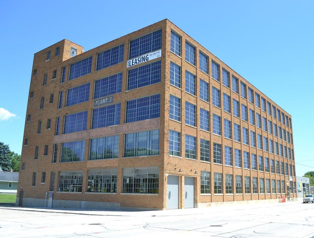 Artist Lofts - Manitowoc, WIAffordable HousingClient: Artist Lofts, LLCBuilt: 1929Project Costs: $9.2 millionHTC equity: Over $1.6 million