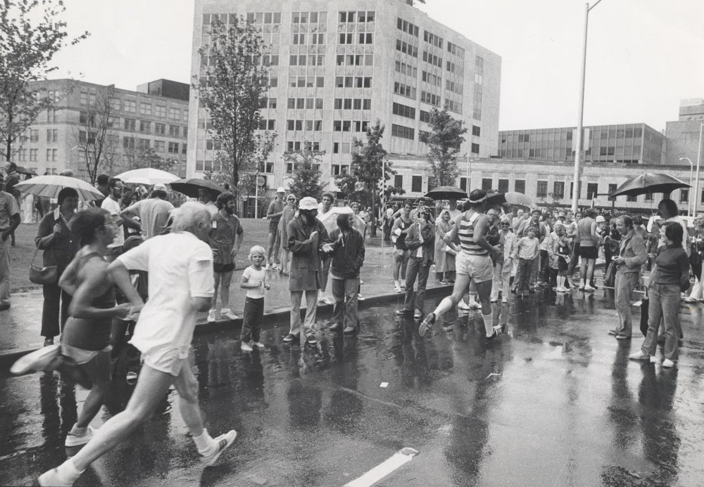 """Runners run an """"official"""" 10K for the first time in 1974"""