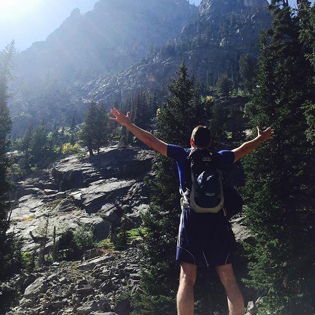 Headin into the weekend like  #fbf #adventureisoutthere #grandtetonnationalpark #dayhiking #hikingmemories #hikingaddict #womenwhohike #mtnchicks #wanderlust