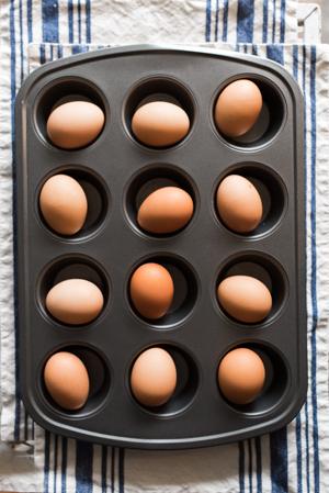 momstrosity hard boiled eggs-3.jpg