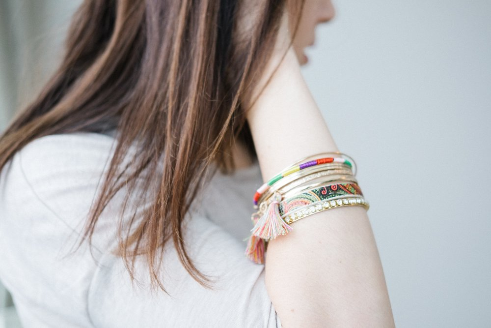 accessories-beautiful-bracelet-374639.jpg