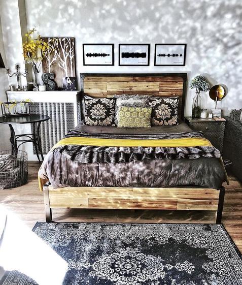 interior-fairytale-rustic-bedroom.png