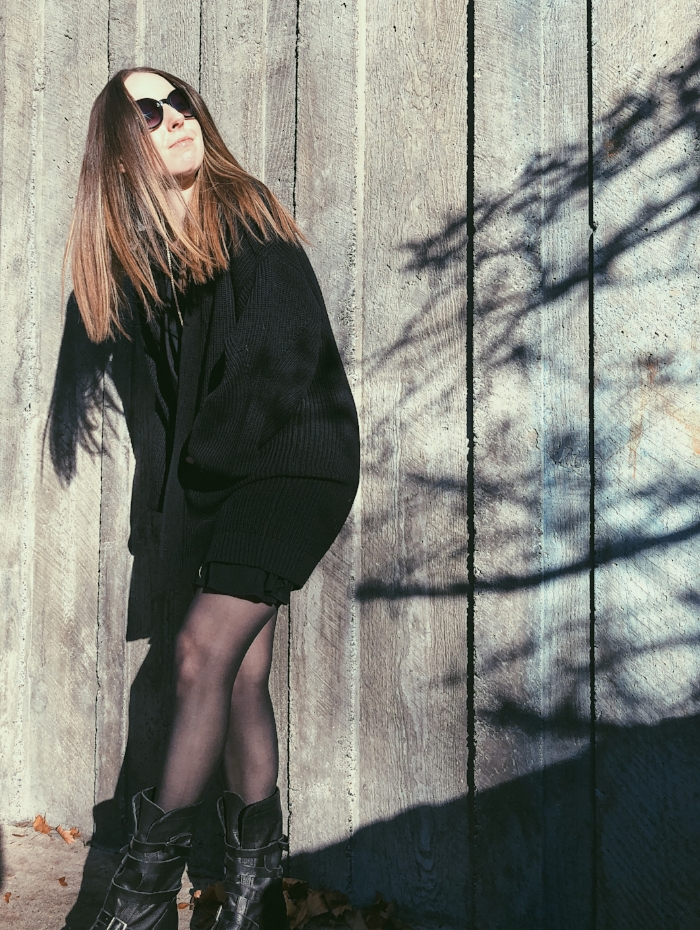 black chunky sweater and boots.jpg