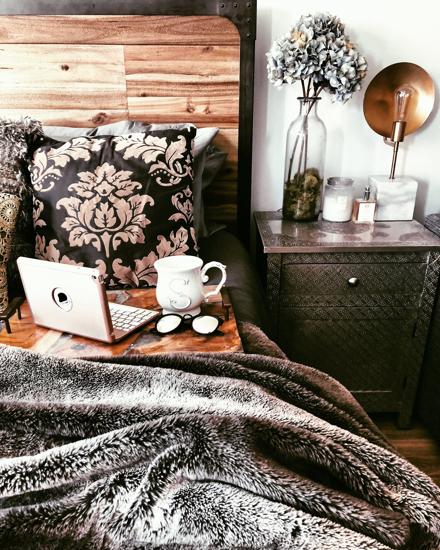 Hygge Decor Lifestyle How To Make Your Apartment Cozy Moda Misfit