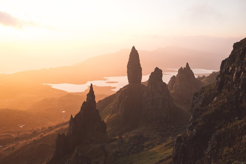 Scotland-Cliffs-Rocks-Sunset-Lake
