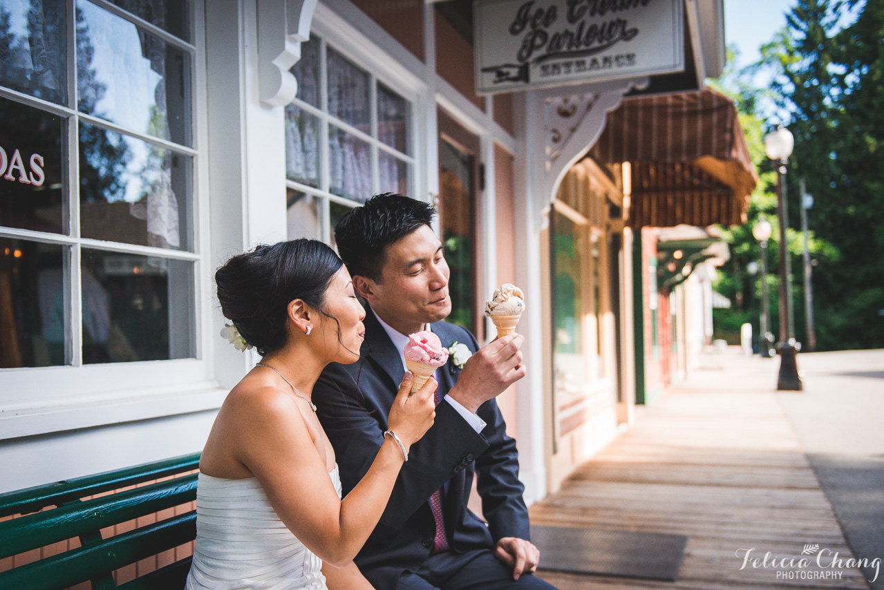 la dolce vita, post-ceremony ice-cream with bride and groom