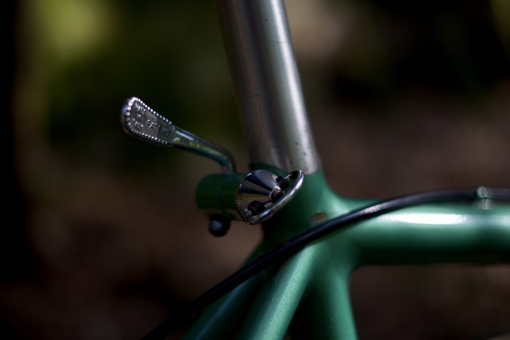 Campagnolo integrated seat post binder.