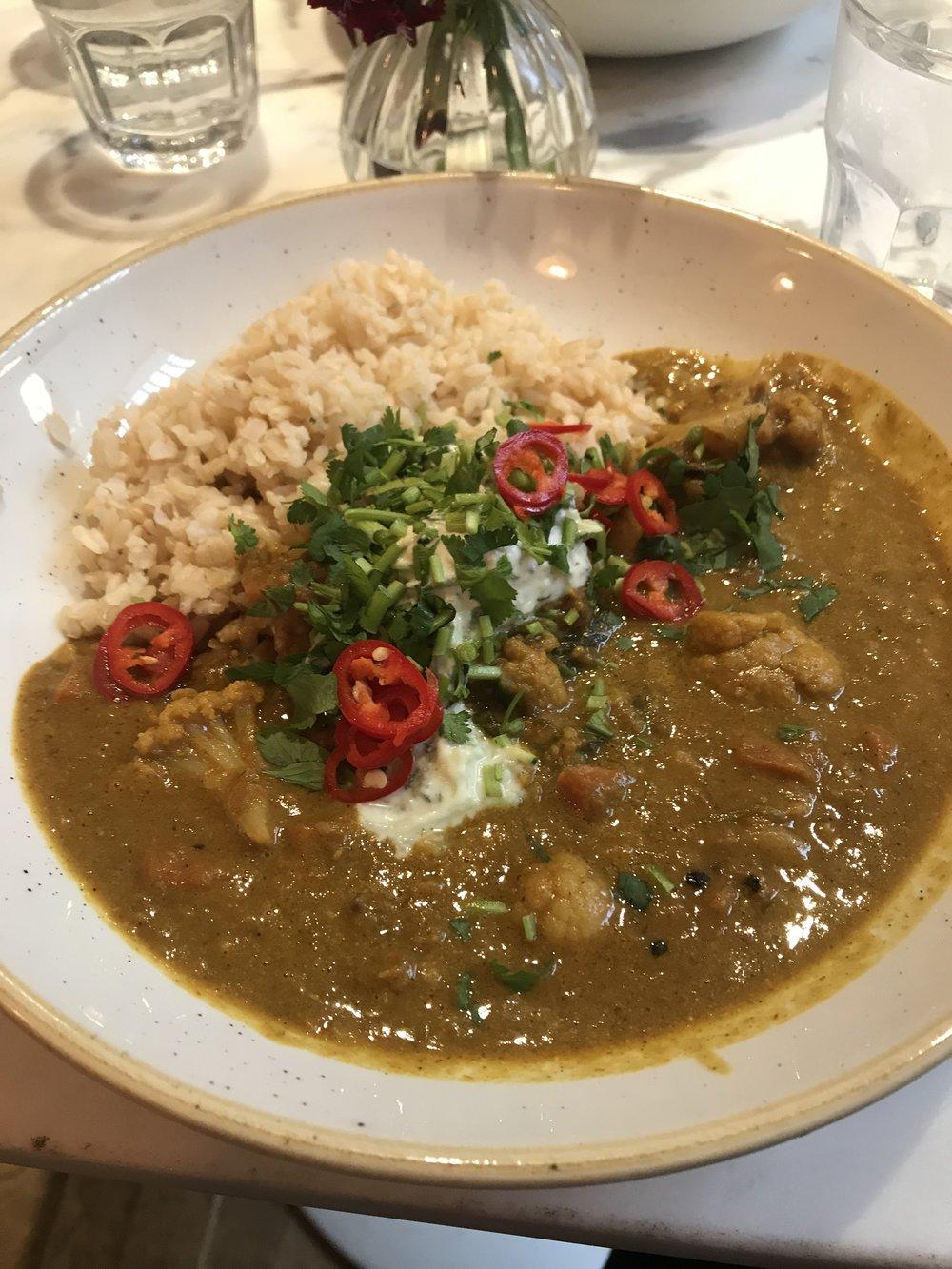 Cauliflower and lentil dahl - Mae Deli