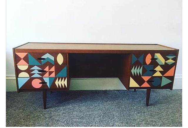 Furniture Happy Retro