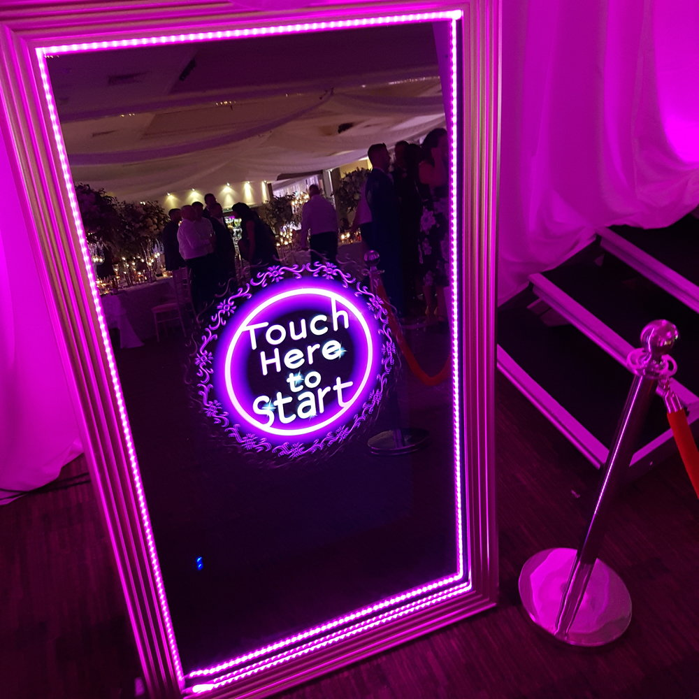 Probooths Selfie Mirror at Mere Court Knutsford.jpg