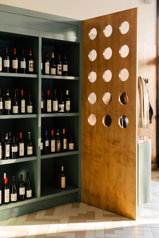 CMR-BS-Retail-Wine-1865.jpg
