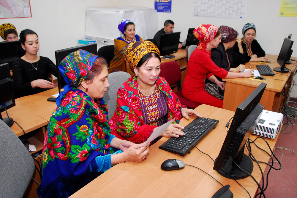 Statisticians entering data into the database for further processing and analysis.    Source   : World Bank via Flickr