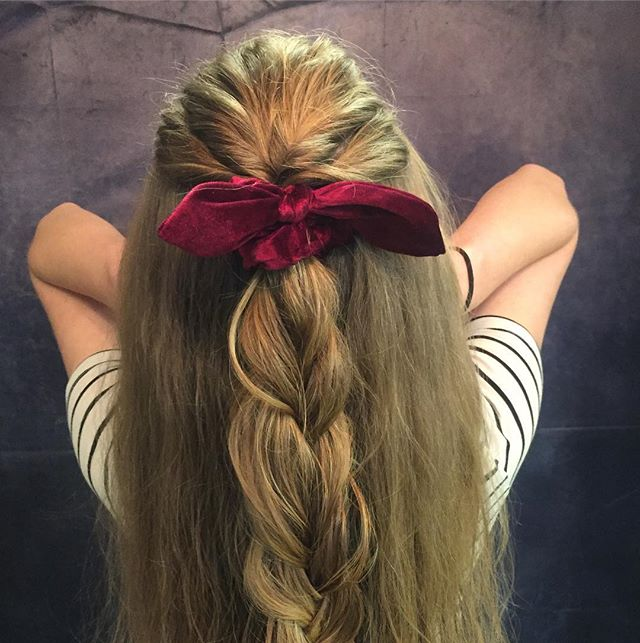 Holiday hair! 🍁💕 Hair by; @heidi.larouxsalon  Styled by; @hairby_rachel.c • • • • • #kirtland #bloomfieldnm #aztecnm #farmingtonnm #salon #smalltown #stylist #holidayhair #scrunchies #braids #twists #updos #havingfun #lovemyteam #farmingtonsalon