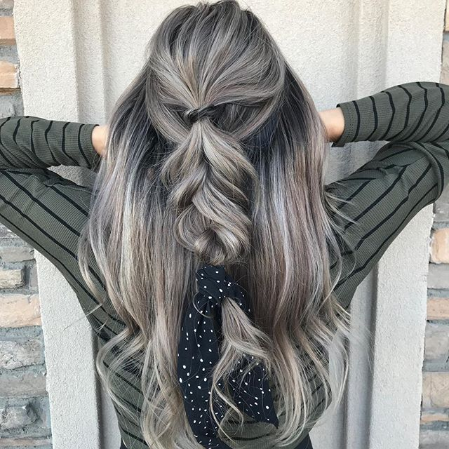 Anyone else sick of food yet? 🙋♀️ Hair by: @wildhairs  Christmas deals are heading your way soon, don't miss out! • • • • #farmingtonnm #christmasdeals #comingsoon #salon #cantwait #scarfs #holidayhair #smalltown #comeby