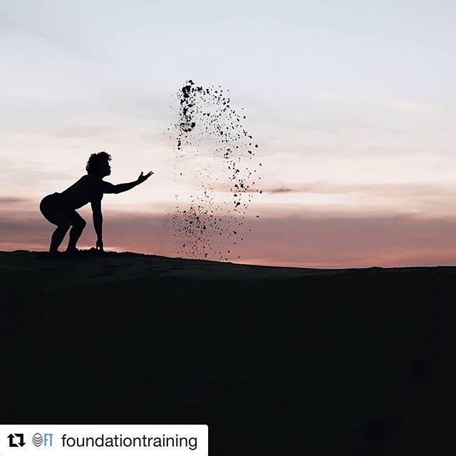 #repost 🙏 @foundationtraining ...mange som driver med #yoga opplever at dem blir «jordet» av å gjøre øvelser fra Foundation Training. Det finnes enkle forklaring på hvorfor dette skjer. Velkommen på Workshop #stockholm #oslo #göteborg #åre #gotland og lær om hvorfor dette skjer og øvelser som garantert gjør at du gjør ryggen til ditt sterkeste kroppsdel. 👇 www.pont.as/events ... #yogapowers #fitness #movement #träning #trening #training #mentalhealthawareness #earth #twofeetonearth