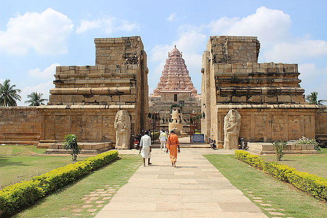 gangaikonda cholapuram - This is enroute from Pondicherry to Kumbakonam after Chidambaram on same day. The city was founded by Rajendra Chola I to commemorate his victory over the Pala Dynasty. Its worth visiting the excavation site nearby .