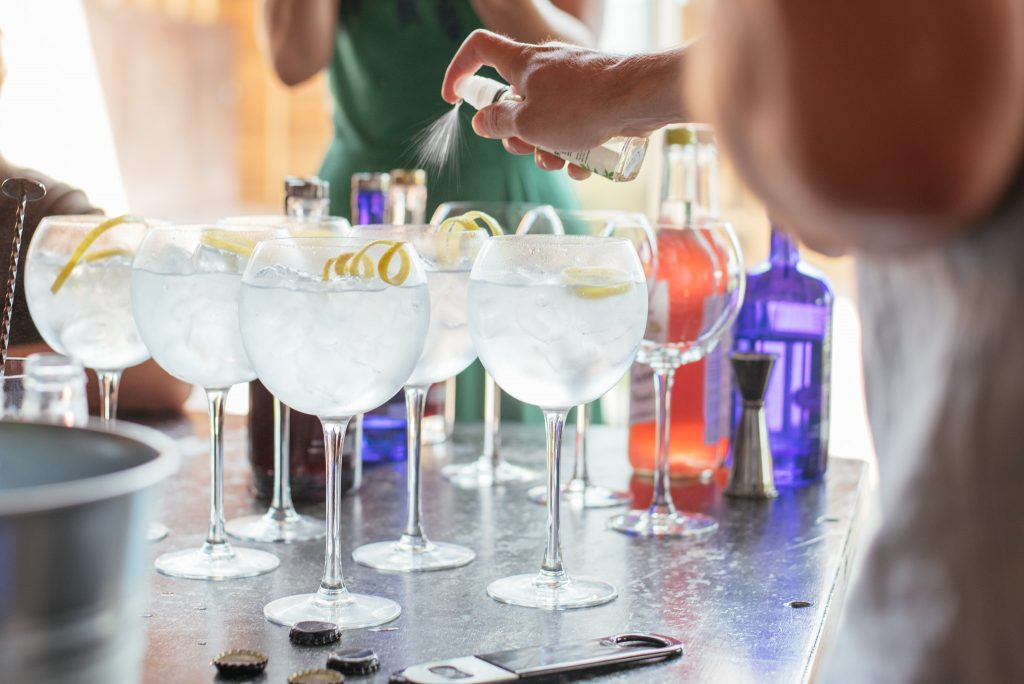 G&Ts all 'round (with a spritz of elderflower!) from 6 O'Clock Gin