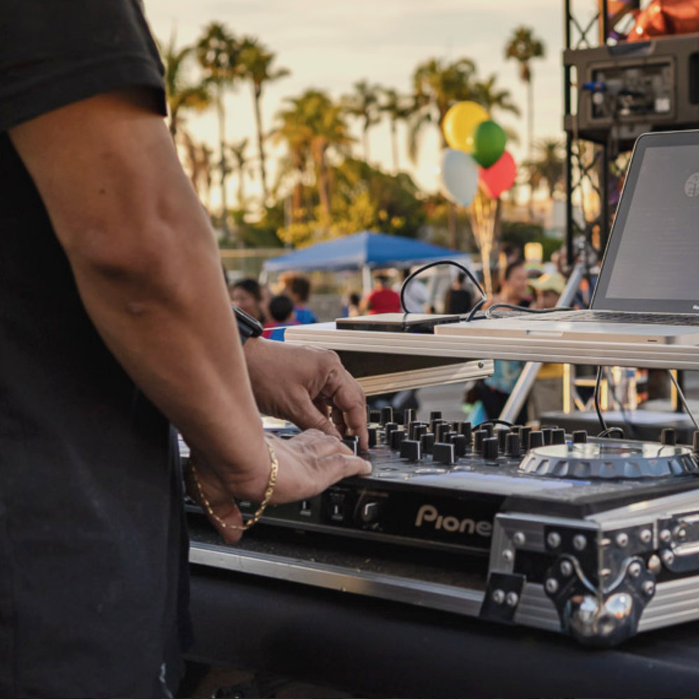 DJ.jpg