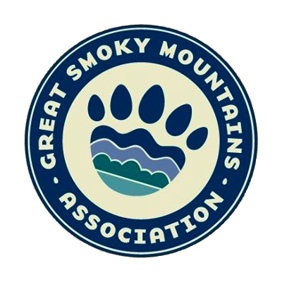great-smoky-mountain-national-park-lapel-pin-gift-shop.png