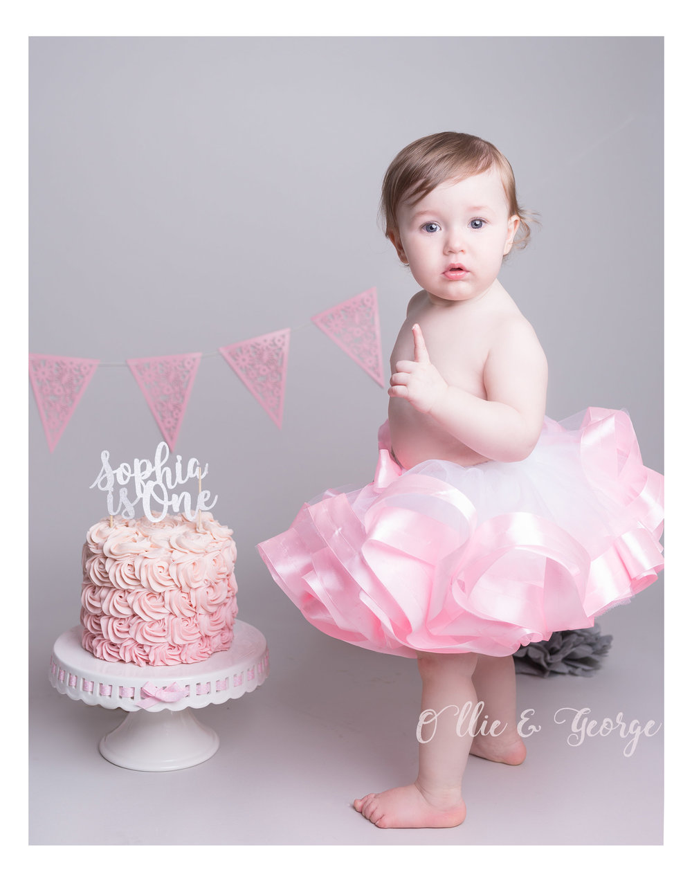Cake smash photographer Blackburn, newborn, baby and children's photographer Lancashire, photographer near me, Blackburn Photographer, 1st Birthday photog
