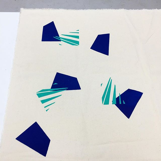 Playing on some canvas🔹🔷 Needs work but I'm excited to see where this goes!! . . . . . . #printmaking #textiles #printedtextiles #design #cutouts #umbra #collage #wip #studioplay #artstudio18 #screenprinting #handcut