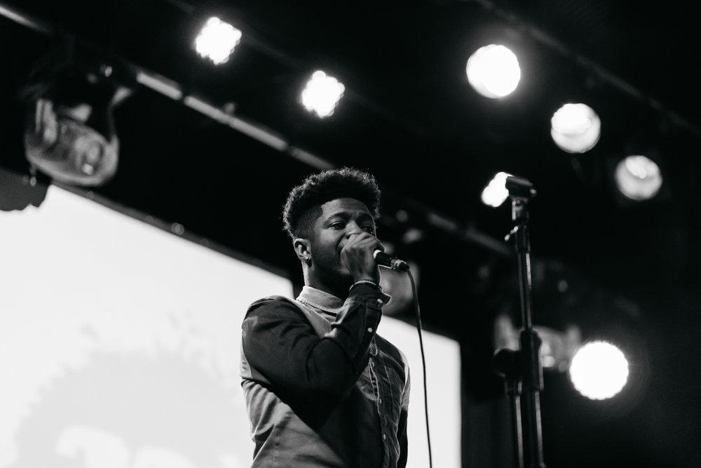 ROE's backing singer.jpg