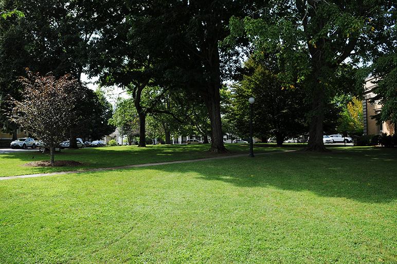 Wadawanuck Square