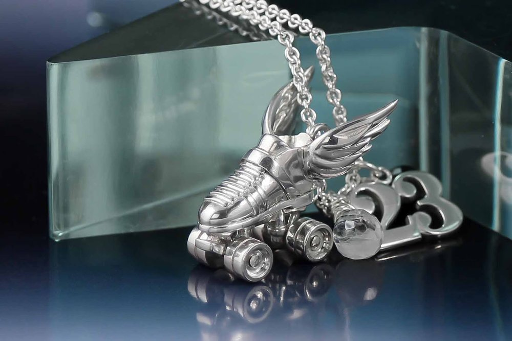 Silver-custom-roller-derby-necklace-4.jpg