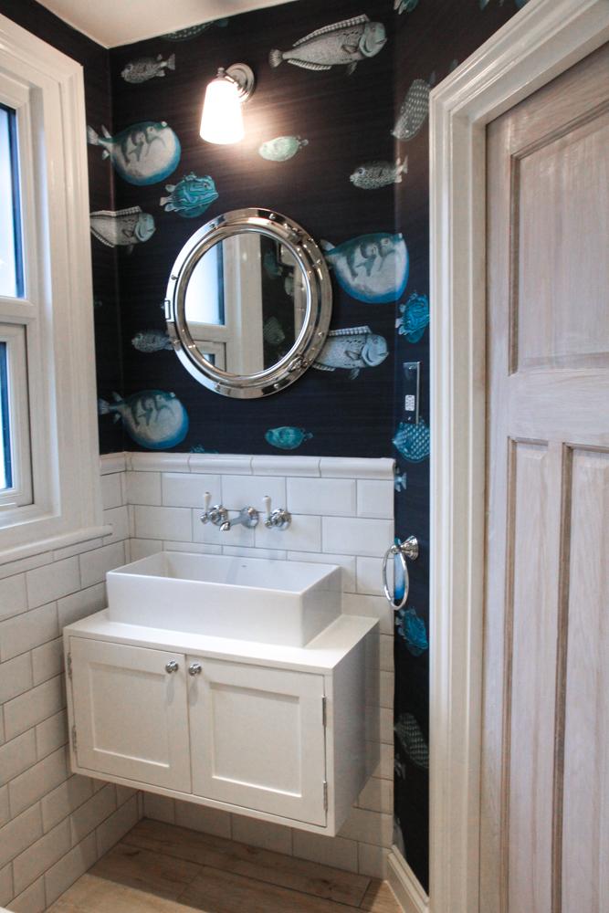 Fornasetti-acquario-wallpaper-nautical-bathroom